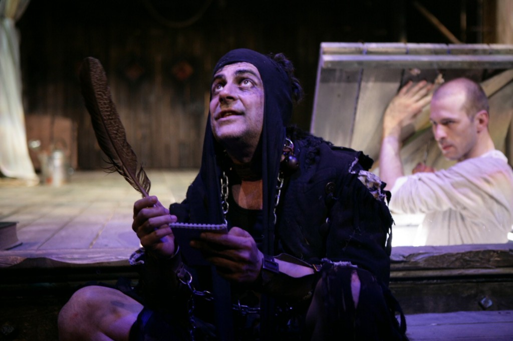 Mihai Călin (Caliban) and István Téglás (Ariel). Photo by TNB