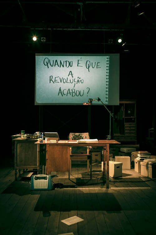 The Living Museum of Small, Forgotten and Unwanted Memories, by Joana Craveiro / Teatro do Vestido. Photo: João Tuna.